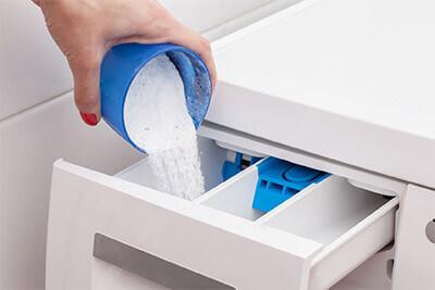 Polvere, liquido o pastiglie. Qual è la giusta consistenza di un detersivo?